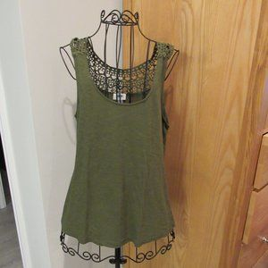 Old Navy lace back green tank - Medium